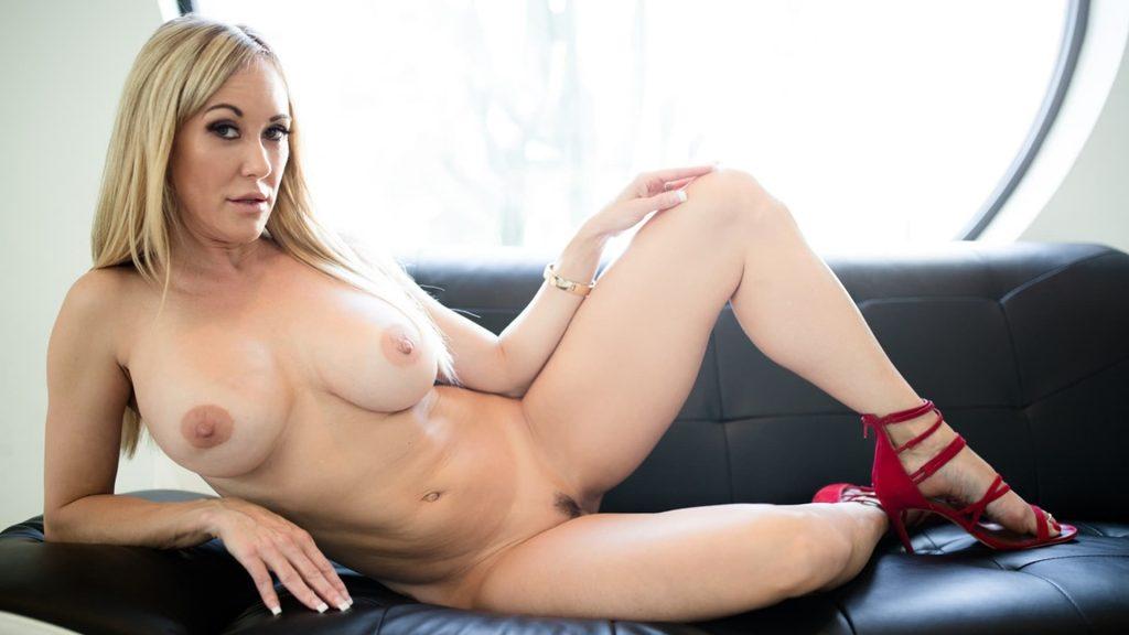 behaarte ehefrau aus dem live erotikchat auf privatem nackt foto