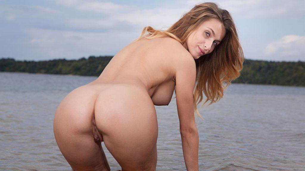 urlaubsfoto von nackter hausfrau am meer